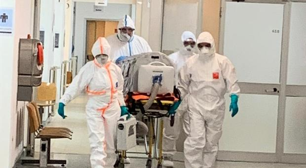 Coronavirus, Fondi zona rossa nel Lazio: su 39mila abitanti 600 sono già in isolamento