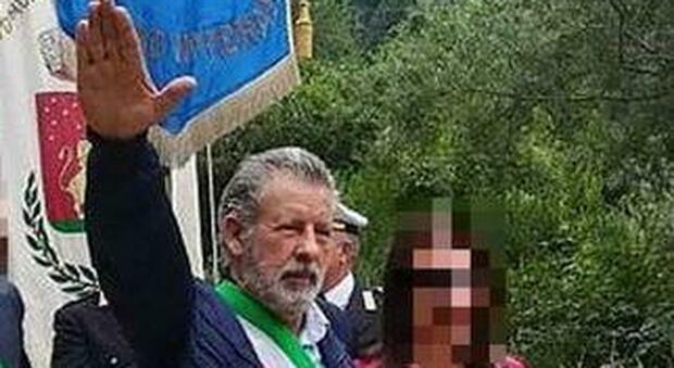 Il saluto fascista non è un reato, assolto l'ex sindaco Modesto Della Rosa