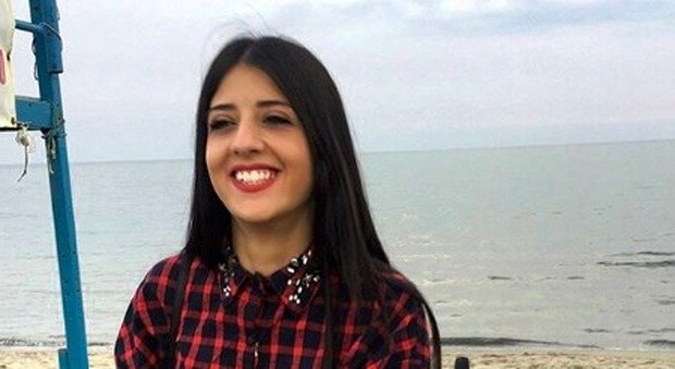 Febbre alta e dolore al petto, Mara muore a 25 anni: faceva l'infermiera e stava per sposarsi
