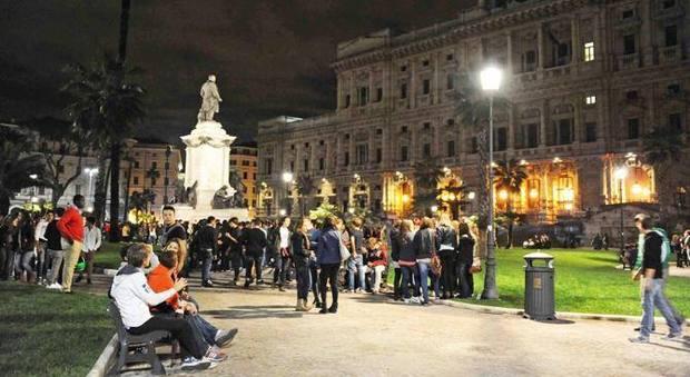 Rissa in Piazza Cavour, parla la ragazza all'origine della lite: «Panna e sputi in faccia, poi è scoppiato l'inferno»