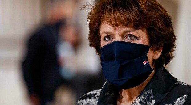Covid, ministra della Cultura francese in ospedale, ma è polemica su come si è contagiata