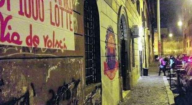 San Lorenzo, guerra tra pusher e centri sociali in via dei Volsci