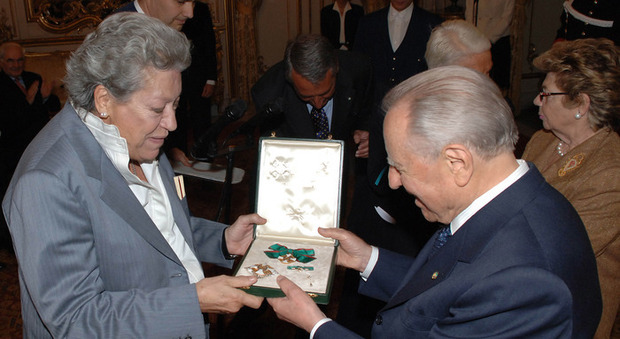 Elsa Peretti, a 80 anni scompare in Spagna la designer dei gioielli di Tiffany