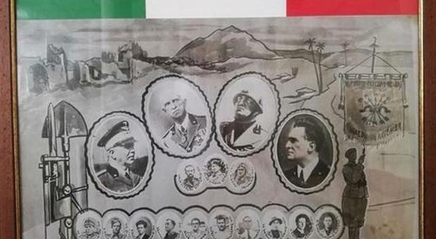 I cittadini protestano, rimosso dal Comune il quadro con Mussolini e Vittorio Emanuele III