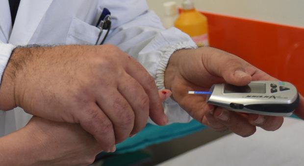 Covid e diabete, allarme per i pazienti: rischiano effetti molto gravi se contagiati dal virus