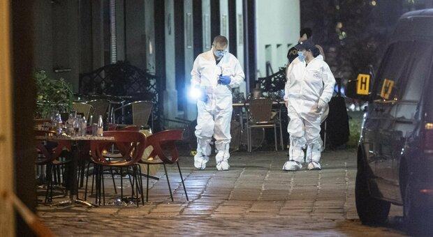 Vienna, i testimoni: «Colpivano la gente a caso, sembravano dei pazzi. Ma sapevano dove andare»
