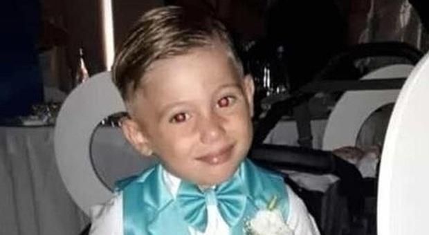 07e1532d96 Davide muore a 4 anni in piscina davanti agli sposi. Aperta l'inchiesta: il  bagno era vietato