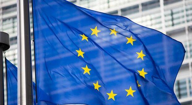 Pagamenti in contanti, UE propone tetto di 10mila euro
