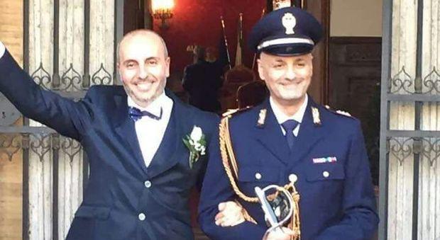 Matrimonio In Alta Uniforme Esercito : Nozze gay a roma la prima unione tra un poliziotto in
