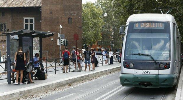 Roma, guasti ai tram: è record, in circolazione c'è il 50% dei mezzi in meno rispetto al 2020