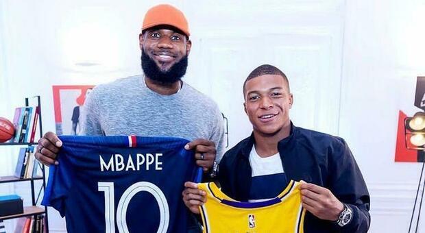 Mbappé e LeBron James si