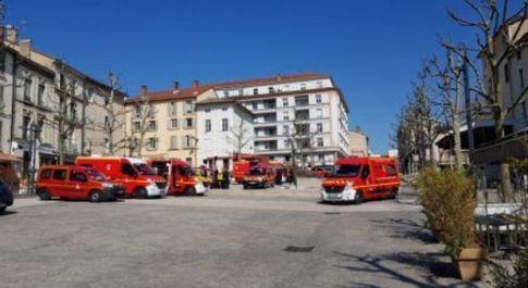 Francia, richiedente asilo accoltella persone a caso per strada: 2 morti e 7 feriti, cinque sono gravi