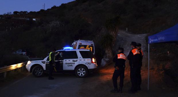 Spagna, Malaga come Vermicino: bimbo di 2 anni cade in un pozzo