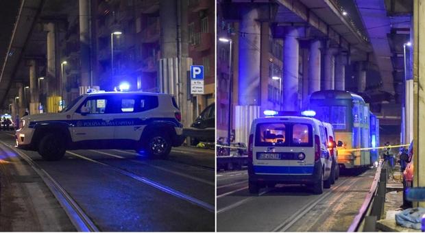 Prenestina, scooter contro il tram: 18enne muore in gita a Roma, gravissimo l'amico 17enne