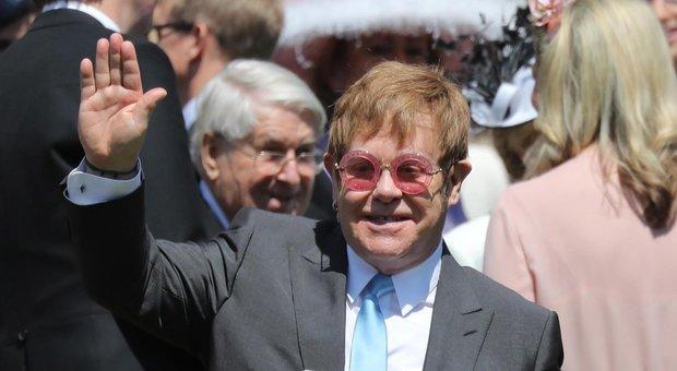"Harry e Meghan sposi, tutti i dettagli su Lady D alle nozze: Elton John canta ""Your Song"""