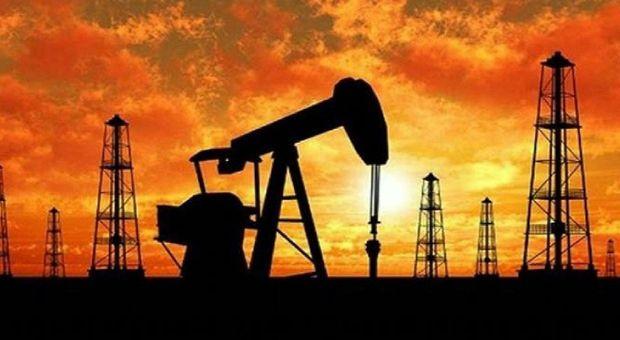 Petrolio, l'Opec proroga tagli di produzione. Quotazioni giù