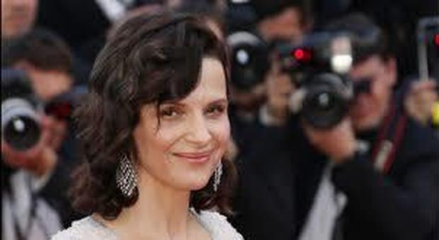 Juliette Binoche: «Io, una brava moglie libera dagli uomini. Il #MeToo non è nato dal nulla»