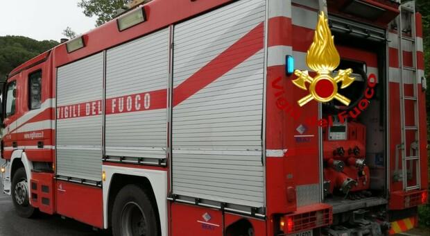 Una partenza dei vigili del fuoco