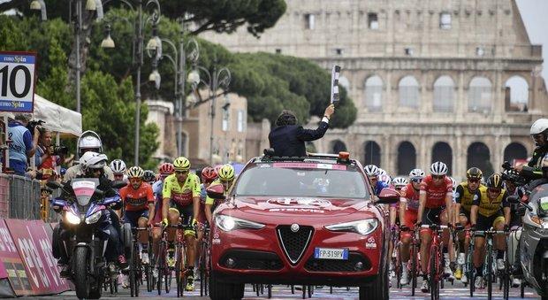 Giro d'Italia: «A Tor Bella Monaca non si passa», a rischio la tappa romana