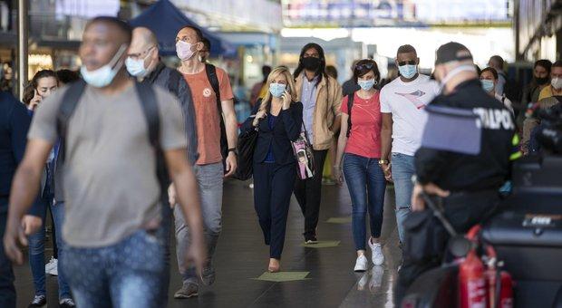 Coronavirus, a Roma dal 3 giugno controlli in stazioni e aeroporti. Cinque nuovi casi, 7 nel Lazio