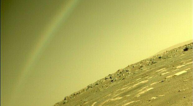 Marte, Perseverance fotografa un arcobaleno. Ecco cosa è veramente