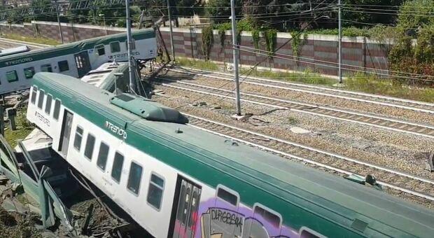 Treno deragliato con un passeggero, schianto dopo 10 km senza macchinisti: erano scesi per una pausa