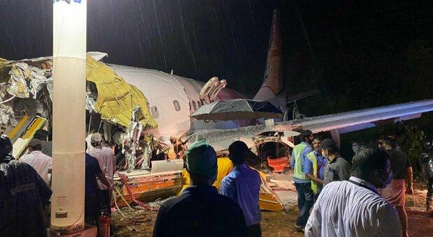 Volo Air India precipita a Calicut, 191 a bordo