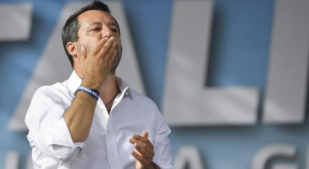 La Lega torna in piazza a Roma. Salvini: «Basta gelosie, il centrodestra si unisca»