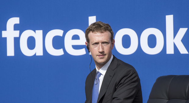 Facebook nella bufera, dipendenti e manager contro Zuckerberg: «Su Minneapolis non ha preso le distanze da Trump»