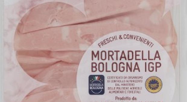 Conad ritira dal mercato un lotto di Mortadella Bologna: «Rischio microbiologico»