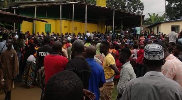 Incendio nella scuola coranica, morti 26 bimbi e due maestre in Liberia. Il presidente Weah: «Prego per le famiglie»