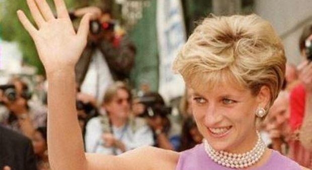 """Londra, le """"confessioni"""" di Lady Diana potrebbero ora arrivare in Tv"""
