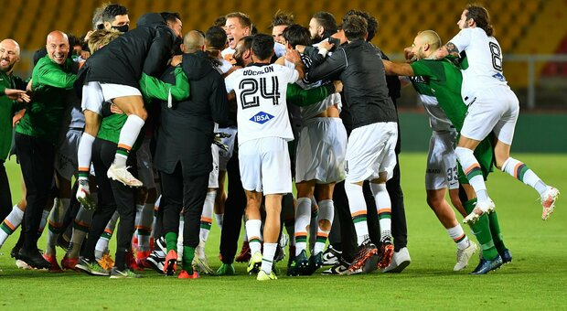 Serie B, finale Venezia-Cittadella. Lecce eliminato per il rigore fallito da Mancosu e Monza fuori nonostante il successo