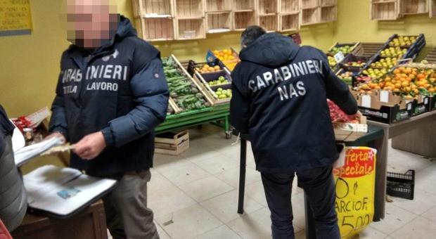 Perugia: prende il reddito di cittadinanza e lavora in nero all'ortofrutta