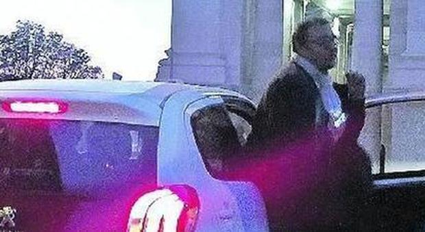 Roma, indagini sull'auto blu del consigliere M5S Ferrara