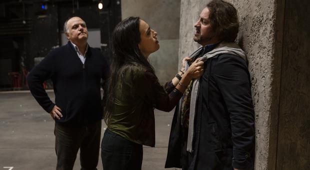 La regista Valentina Carrasco con i cantanti John Osborn e Roberto Frontali