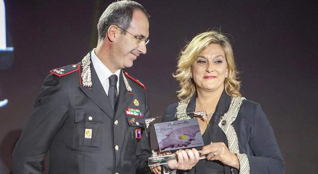 Il generale Minicucci premia Valeria Grasso