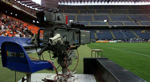 Serie A, Sky all'attacco: offerto a Dazn mezzo miliardo di euro per le sue 7 gare