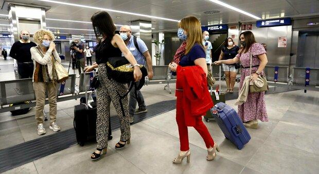 Aeroporti, primi segnali di ripresa: 1 milione di passeggeri a giugno ma il 2020 sarà un anno nero