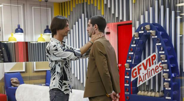 Francesco Oppini e l'emozionante discorso per Tommaso Zorzi: «Quello che ci lega è un sentimento vero. Farò un passo indietro solo se me lo chiederai». L'influencer pietrificato