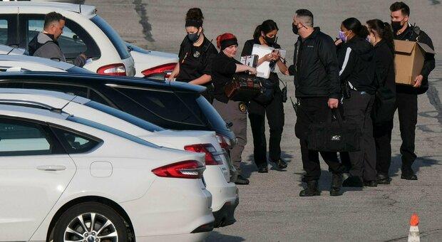 Usa, sparatoria in un deposito FedEx vicino l'aeroporto: almeno 8 morti, suicida l'aggressore