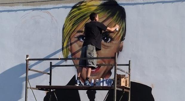 Nadia Toffa, un murales la ricorda a Taranto: un mese fa la scomparsa