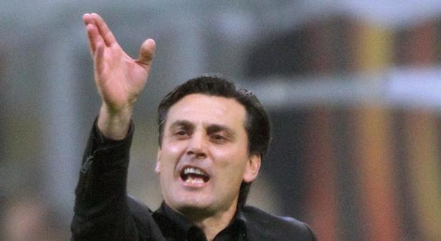 Il pubblico di San Siro fischia il Milan, Montella ammette: «I giocatori non sono tranquilli»