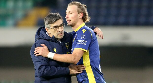Verona, Kalinic e un altro super gol di Dimarco stendono il Crotone: 2-1