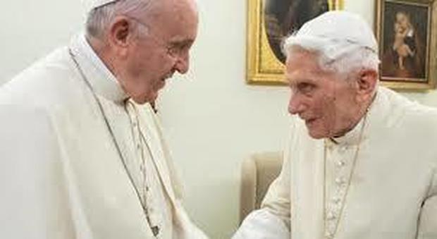 Papa Ratzinger compie 93 anni, oggi il compleanno in quarantena