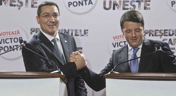"""Renzi, la visita prima del voto porta male al socialista romeno Ponta: vince il """"tedesco"""" Iohannis"""