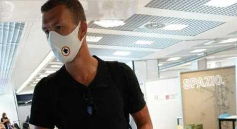 Coronavirus, test per Edin Dzeko in aeroporto a Fiumicino, poi la dedica speciale