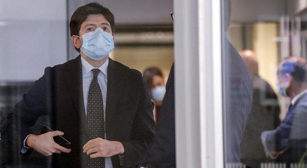 Virus, Speranza: «Giorni peggiori nostra vita, siamo ancora nella battaglia»