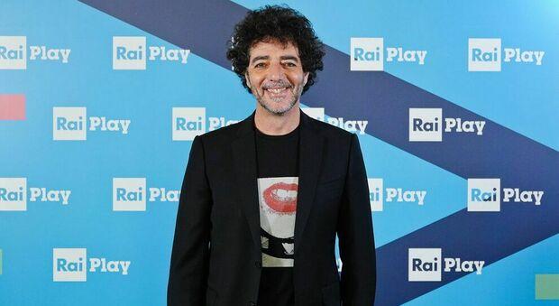"""Max Gazzé, testo e significato de """"Il farmacista"""": canzone Sanremo 2021"""