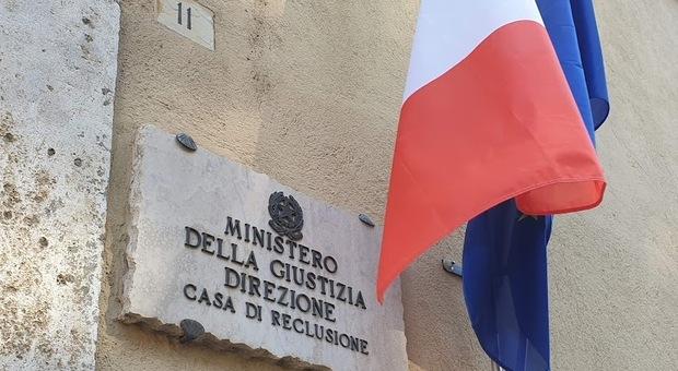 Orvieto, aggressione in carcere quattro agenti rimasti feriti